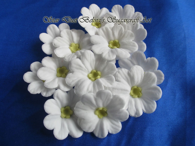 White sugar flowers
