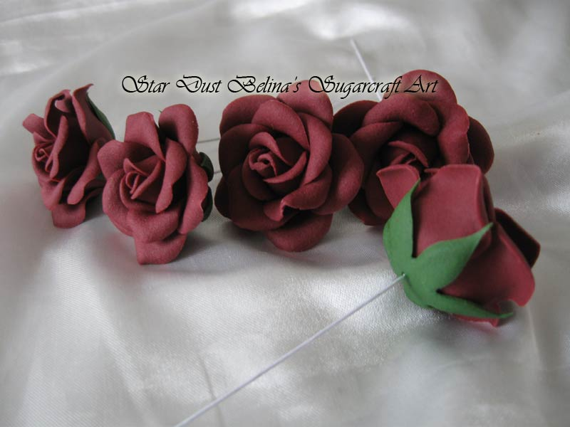 Wired burgundy roses sugar flowers