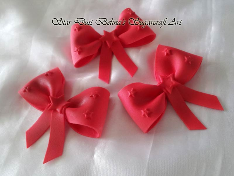 Edible Christmas Bow in red