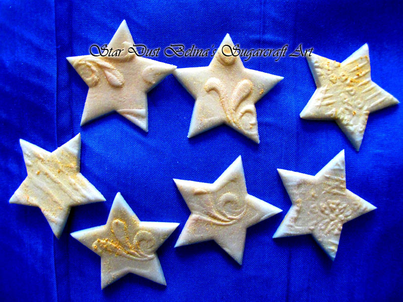Embossed gold sugar star\'s